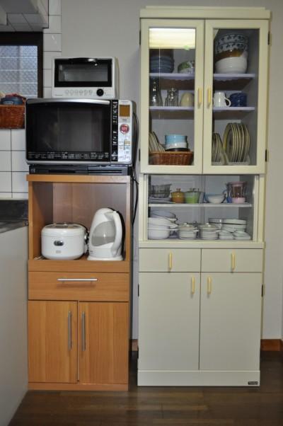 食器棚まわり
