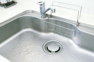 シンク内の汚れや水垢